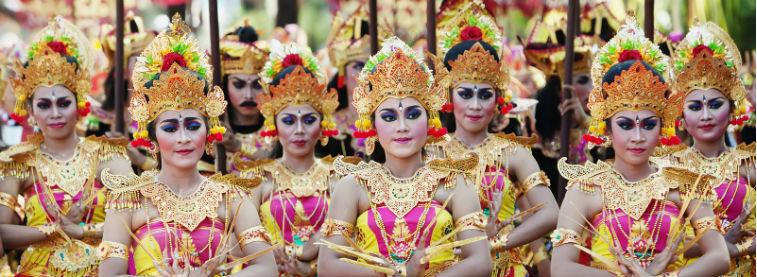 Indonesia Balinese costumes