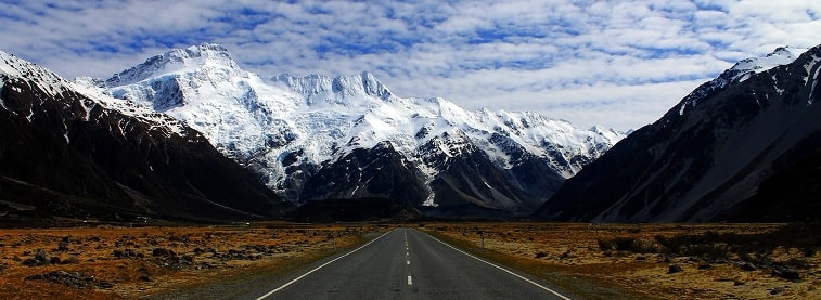 New Zealand road and mountainscape